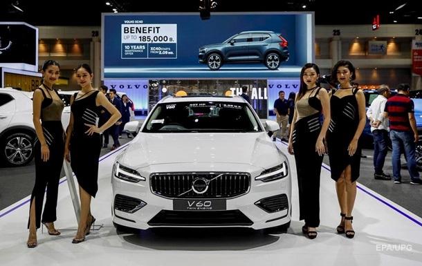 Компанія Volvo обновила логотип