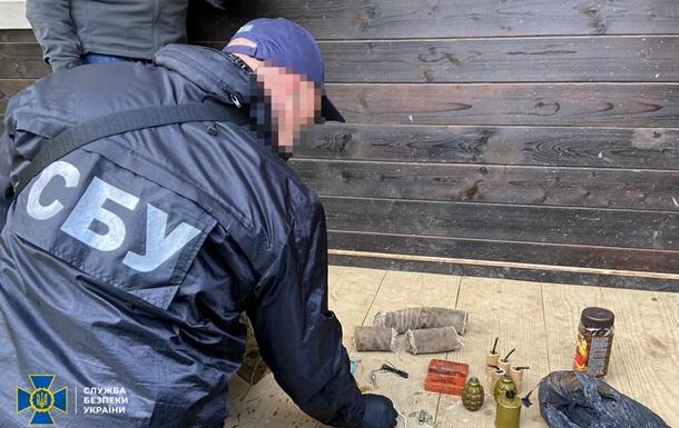 Во Львовской области у 'активиста' нашли тайник с гранатами