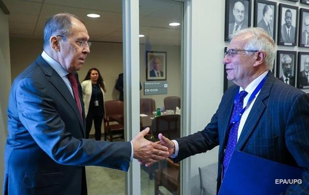 Боррель вказав Лаврову на принципові розбіжності ЄС з РФ