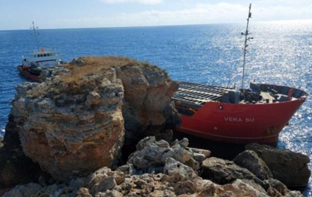 У берегов Болгарии село на мель судно, перевозившее азотные удобрения