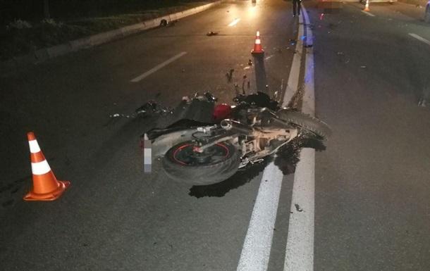 В Харькове в тройном ДТП погиб мотоциклист