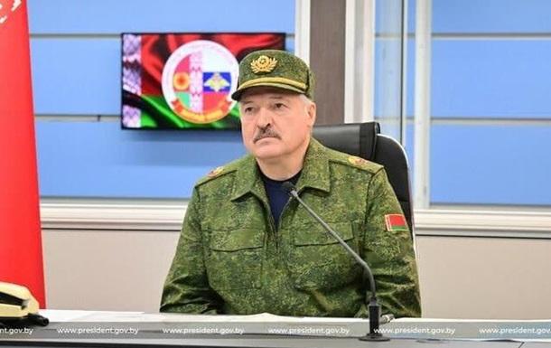 Лукашенко: В Україну тягнуть натовські війська
