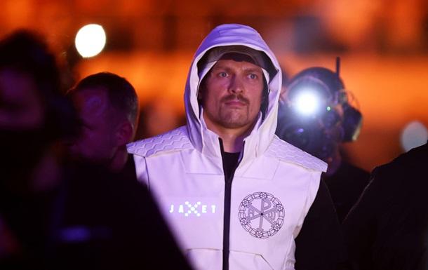 Усик у четвірці найкращих боксерів від BoxRec незалежно від категорії