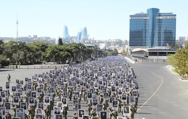 У Баку пройшла хода військових на честь шехидів