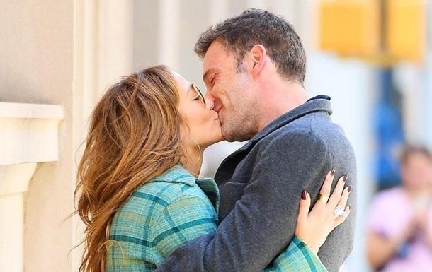 Зірковий поцілунок, Усик і коноплі: фото дня