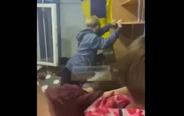 В Одесі підлітки розгромили будинок заради лайків