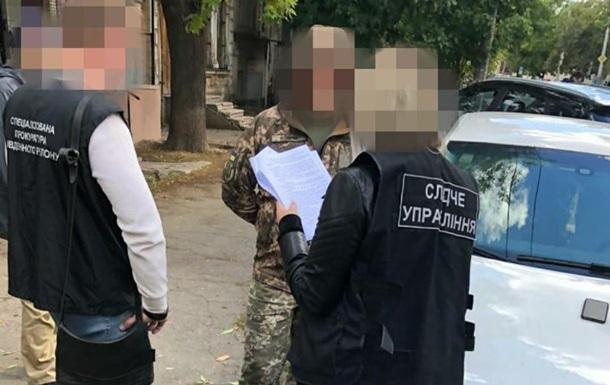 На Миколаївщині затримали військового, що влаштував масштабний продаж зброї