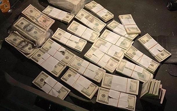 У Києві вилучили 240 тисяч фальшивих доларів