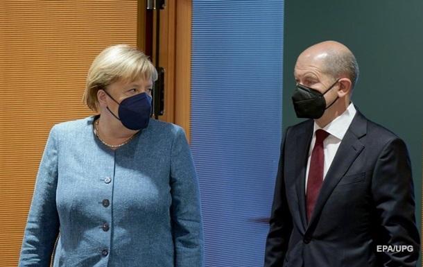 Меркель привітала Шольца з перемогою