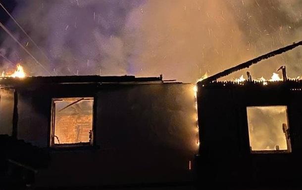 У Києві в приватному будинку заживо згоріла людина - соцмережі