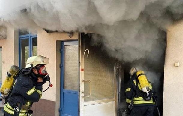 В Киеве возник пожар в гимназии - «Украина»