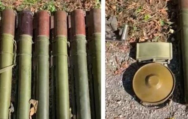 В Авдіївці знайшли схованку зброї та боєприпасів