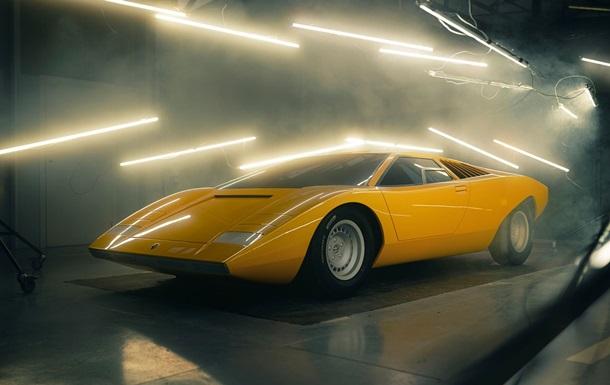 Lamborghini воссоздала первый экземпляр Countach