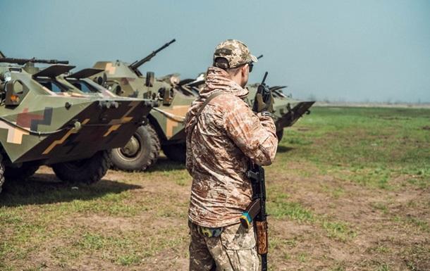 Доба на Донбасі: 14 обстрілів, поранені два бійці