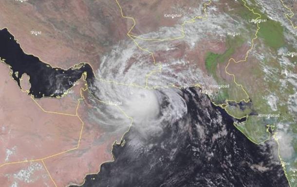 На Оман обрушився тропічний циклон Шахін, є загиблі