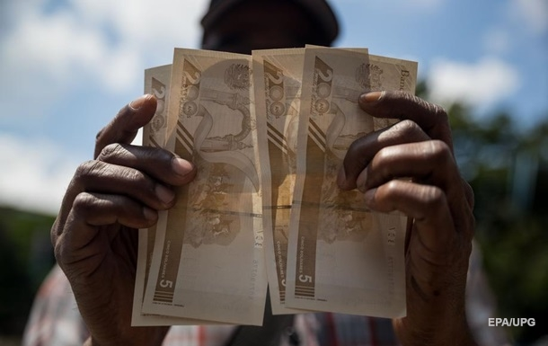 Венесуэла сократила количество нулей на боливаре