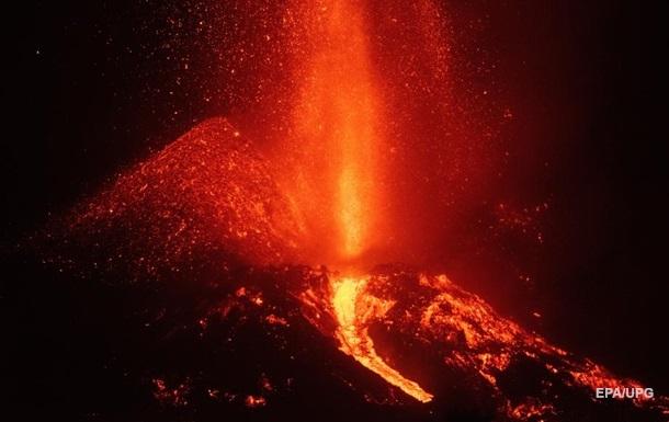 Виверження вулкана на Канарах посилилося