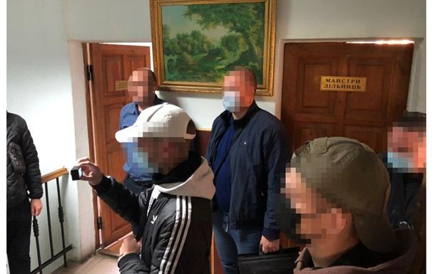 Хищение на закупках: у киевских коммунальщиков проходят обыски