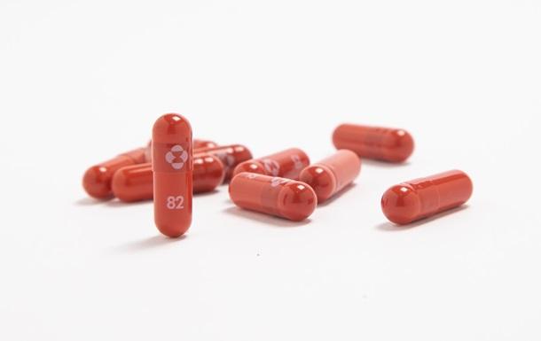 Никто не умер. Создана первая таблетка от COVID-19