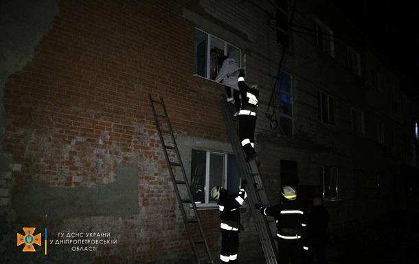 На Дніпропетровщині горіла багатоповерхівка, врятовані дев ять людей