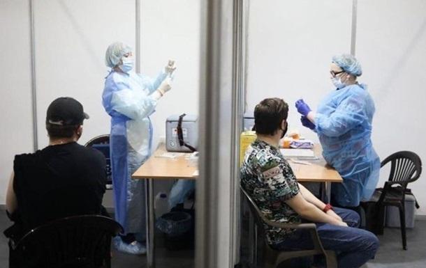 За сутки вакцинировано более 100 тысяч украинцев