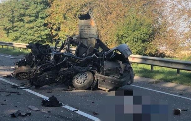 На Львовщине столкнулись пять авто, есть жертва