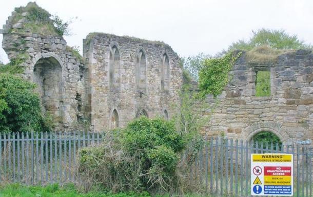 У Шотландії в руїнах замку знайшли сотні кілограмів кокаїну