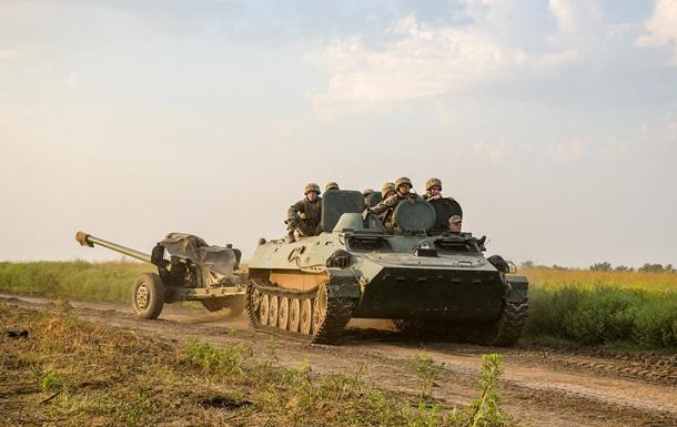 На Донбассе за день три обстрела, ранен боец ВСУ