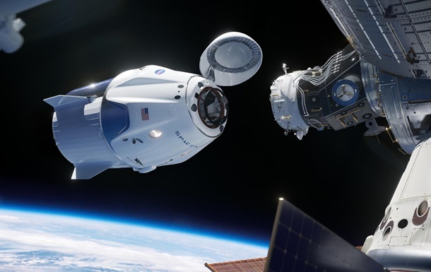 Россия договаривается о полетах космонавтов на Crew Dragon
