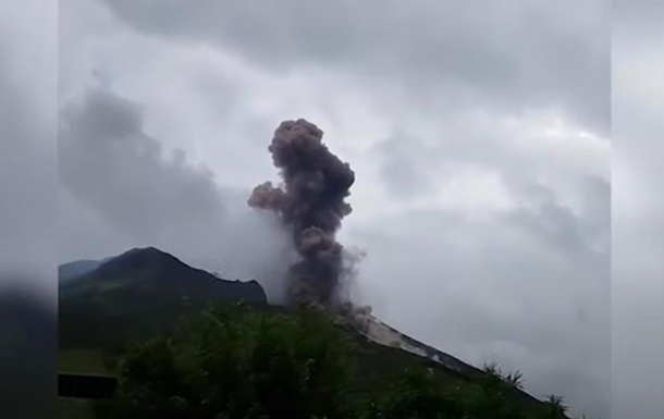 В Італії вивергається вулкан Стромболі