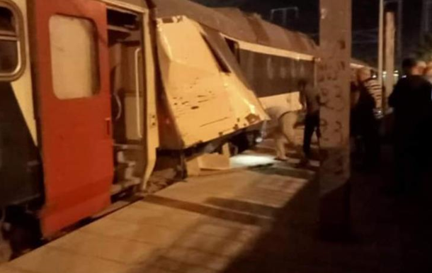 У Тунісі зіткнулися пасажирські потяги, є постраждалі