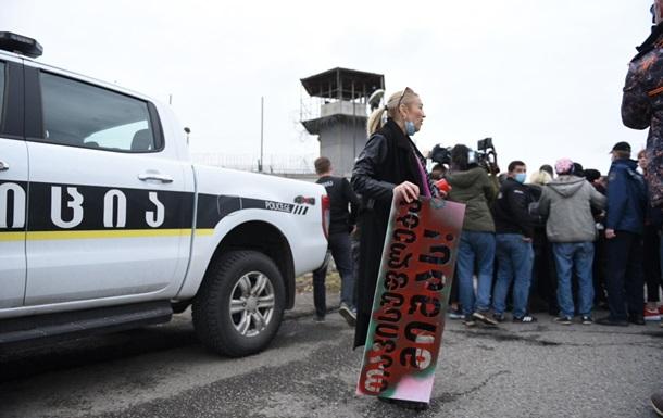 Акція біля в язниці із Саакашвілі переросла в бійки