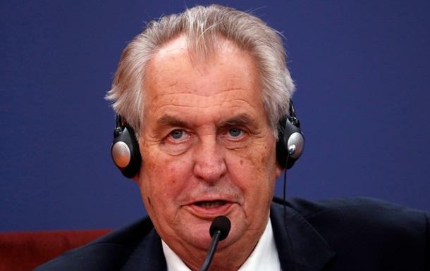 Президента Чехії перевели з реанімації