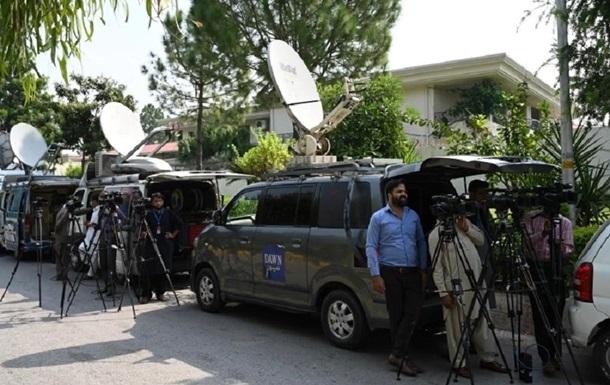 В Пакистане подорвали автомобиль с журналистом