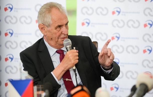 В Чехии требуют передачи полномочий главы страны
