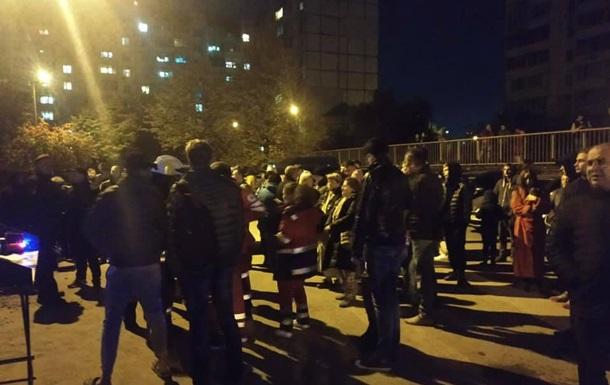 Под Киевом горела многоэтажка, пострадал человек