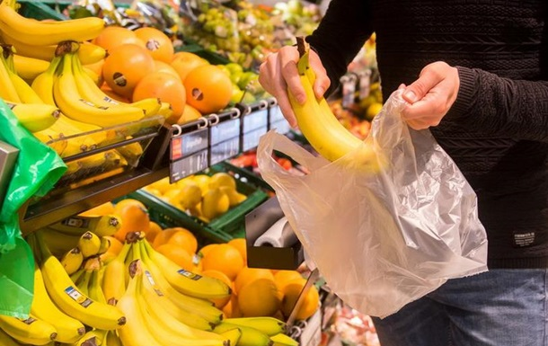 У Франції забороняють пластикове пакування майже всіх овочів та фруктів
