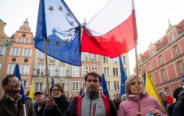 ЄС загрожує розпад через ситуацію у Польщі - єврокомісарка