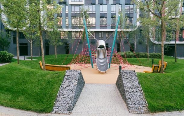 В киевских дворах появляются детские площадки международного уровня
