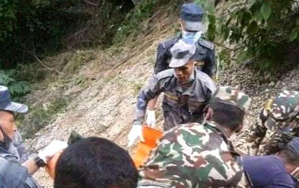В Непале пассажирский автобус упал в пропасть, 28 жертв