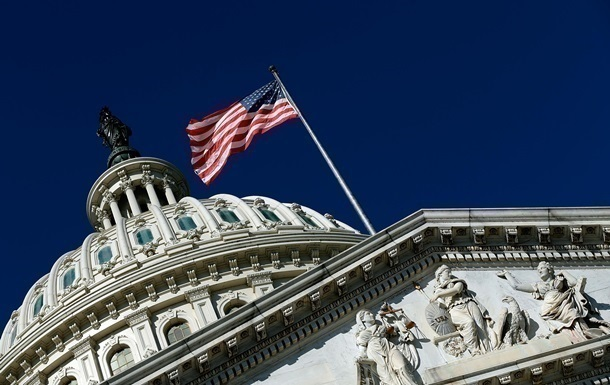В Конгрессе США одобрили временное повышение лимита госдолга
