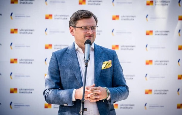 Кулеба: Безвізу України з ЄС нічого не загрожує
