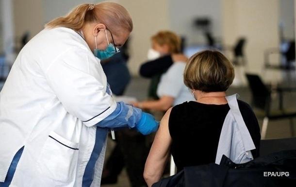 В Украине лишь 20% взрослых прошли вакцинацию