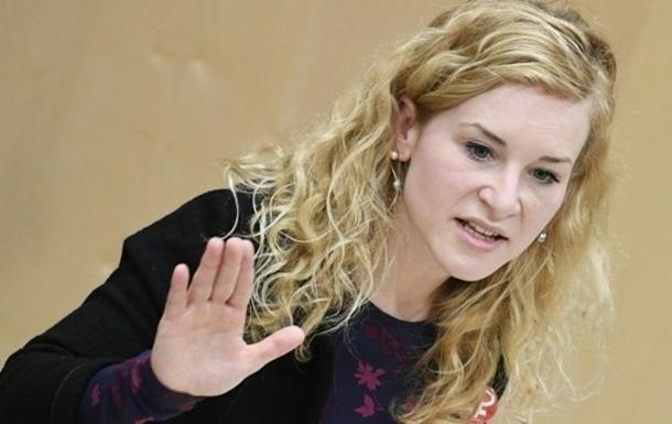 Австрійський депутат втратила свідомість на засіданні парламенту