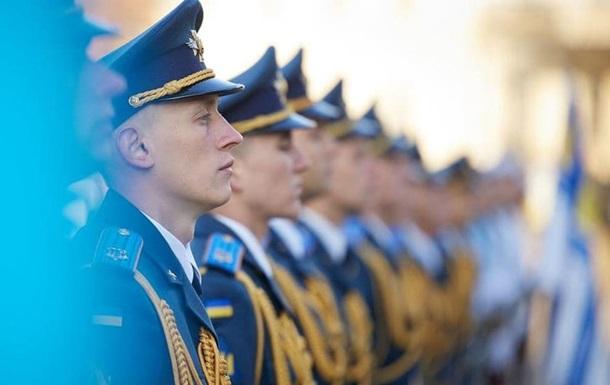 Зеленский поручил выплатить военным премии в их профессиональный праздник