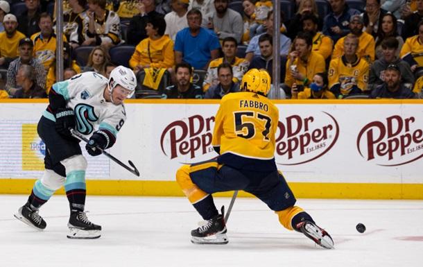 НХЛ: Сиэтл одержал первую победу в НХЛ, Тампа в напряженном матче одолела Детройт