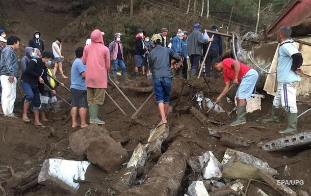 На острове Бали три человека стали жертвами землетрясения