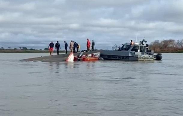 В Бразилии затонула лодка с туристами: шестеро погибших