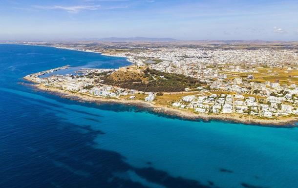 В Тунисе отменили карантин для организованных туристов