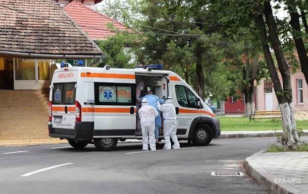 В машине скорой помощи на Буковине умер гражданин Италии